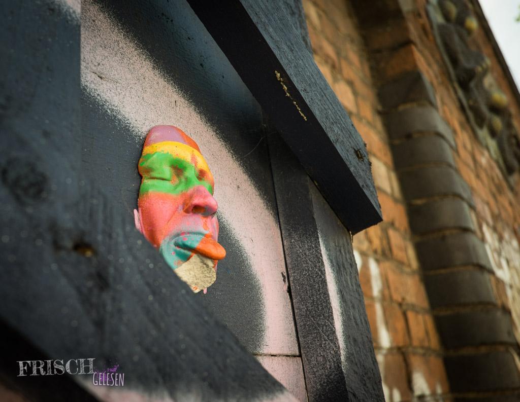Oder ein anderer Künstler hat es getan. Wer weiss? Bei Streetart ist es üblich, die Werke einfach zu übermalen.