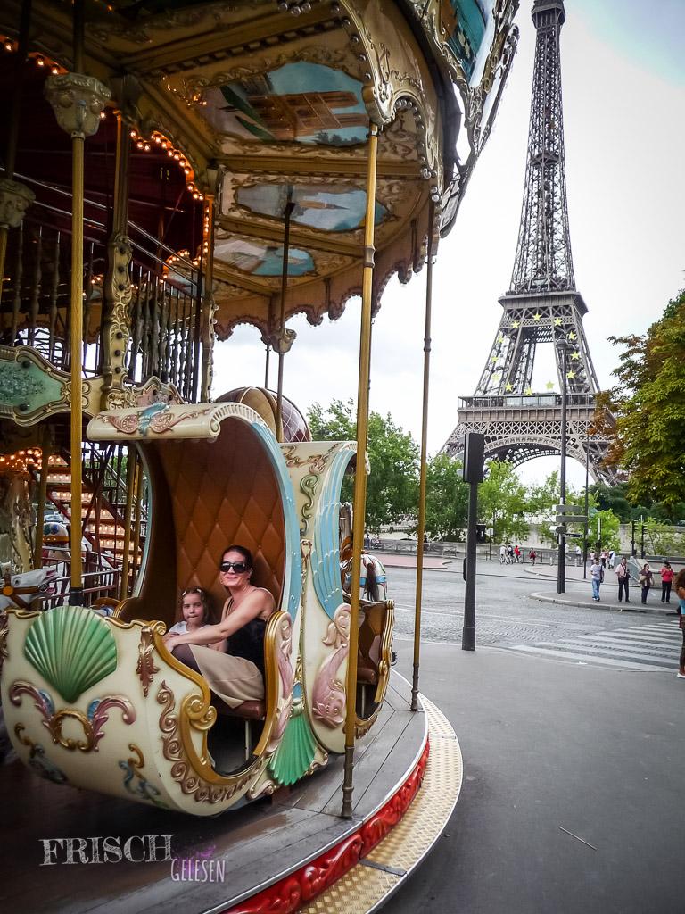 Ich wollte in alle Pariser Karussells! Hier lacht meine Mami noch…