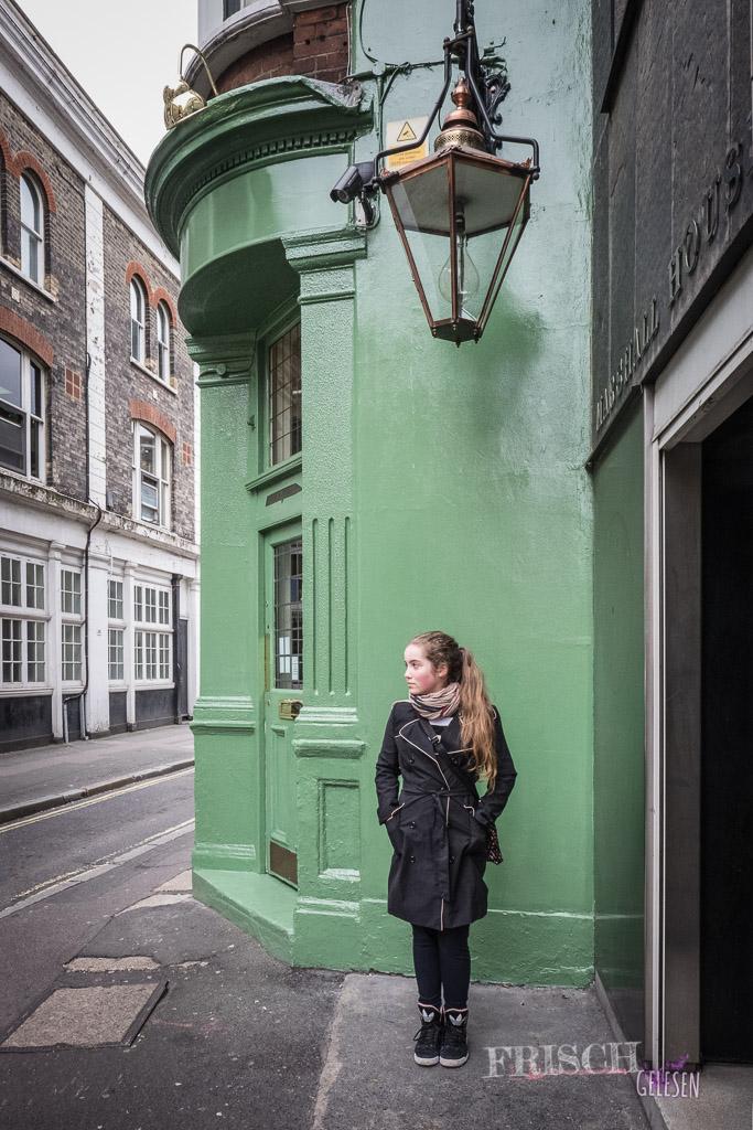 Als ich in London unterwegs war, waren die Geisterlampen noch aus. Oder was ist das da über mir?