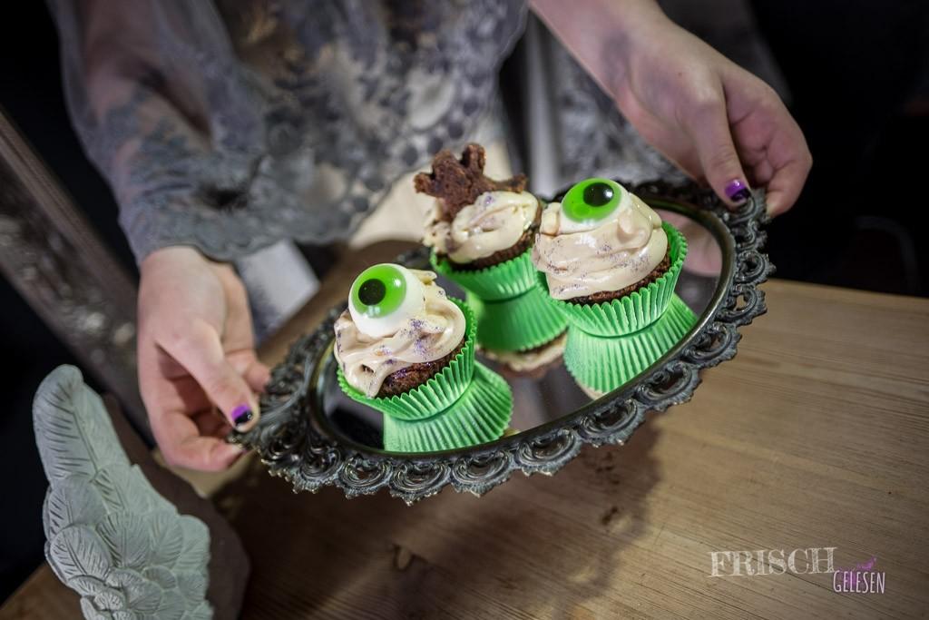 """Gruselig, witzige Cupcakes würden auch den Geisterjägern von """"Lockwood&Co."""" gefallen"""