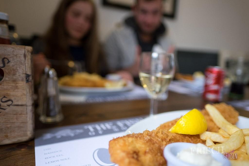 It`s Teatime my dear! - No, it`s Fishtime, my dear! ;) Selbst mein nicht-Fisch-essender Bruder mag hier Fisch: Unser Stammlokal in London, Notting Hill.