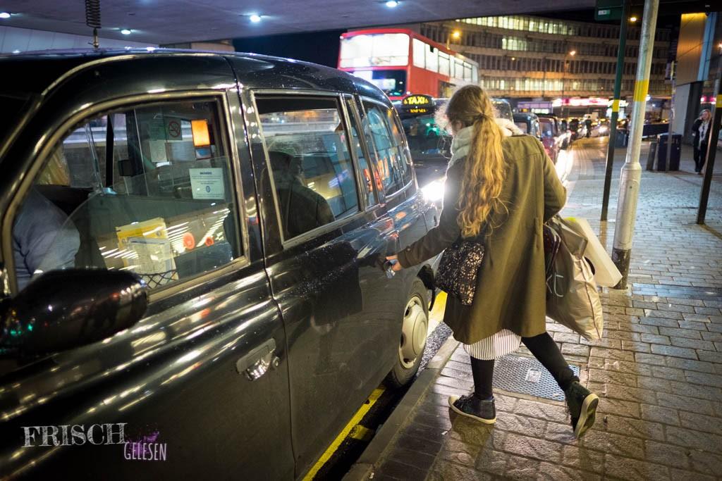 Meistens soviel, dass wir uns ein Taxi nehmen mussten, weil es mit den Tüten im Bus sehr umständlich geworden wäre.