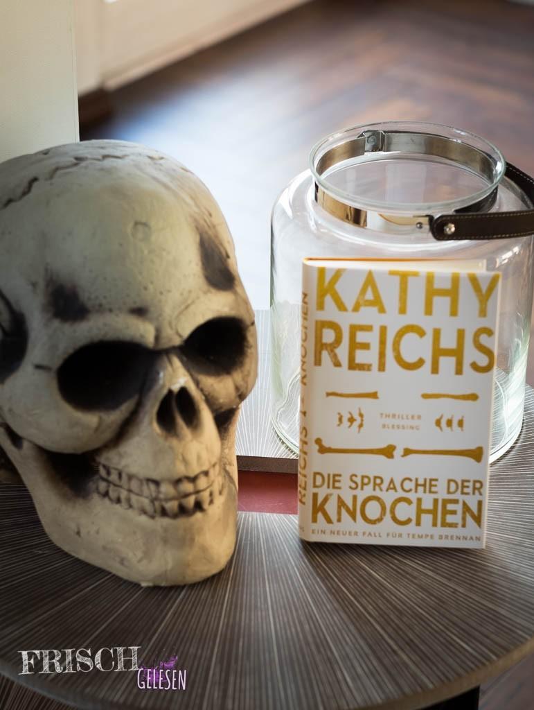 """""""Die Sprache der Knochen"""" von Kathy Reichs"""