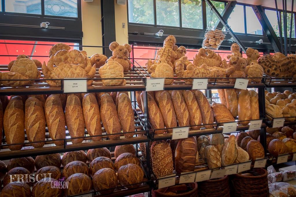 So sah die Auswahl an Sauerteigbrot in San Francisco aus. Obwohl Deutschland ja das Sauerteig-Brotland sein soll, habe ich eine solche Auswahl hier noch nicht gefunden.