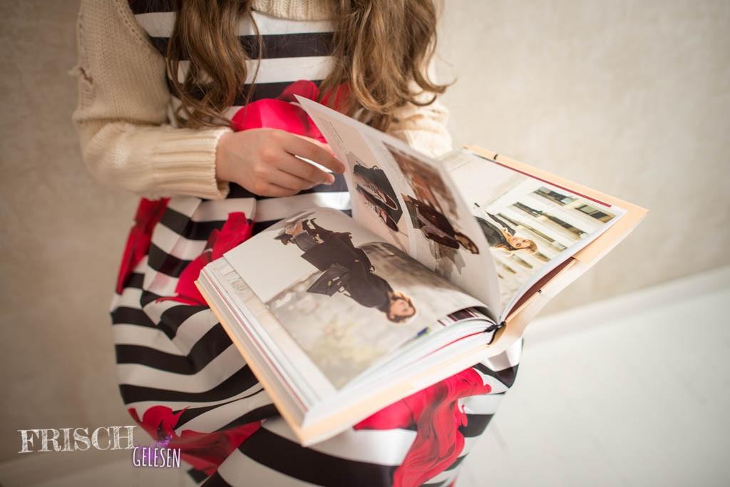 Die Fotos von berühmten Modevorbildern sind wirklich toll und super natürlich.
