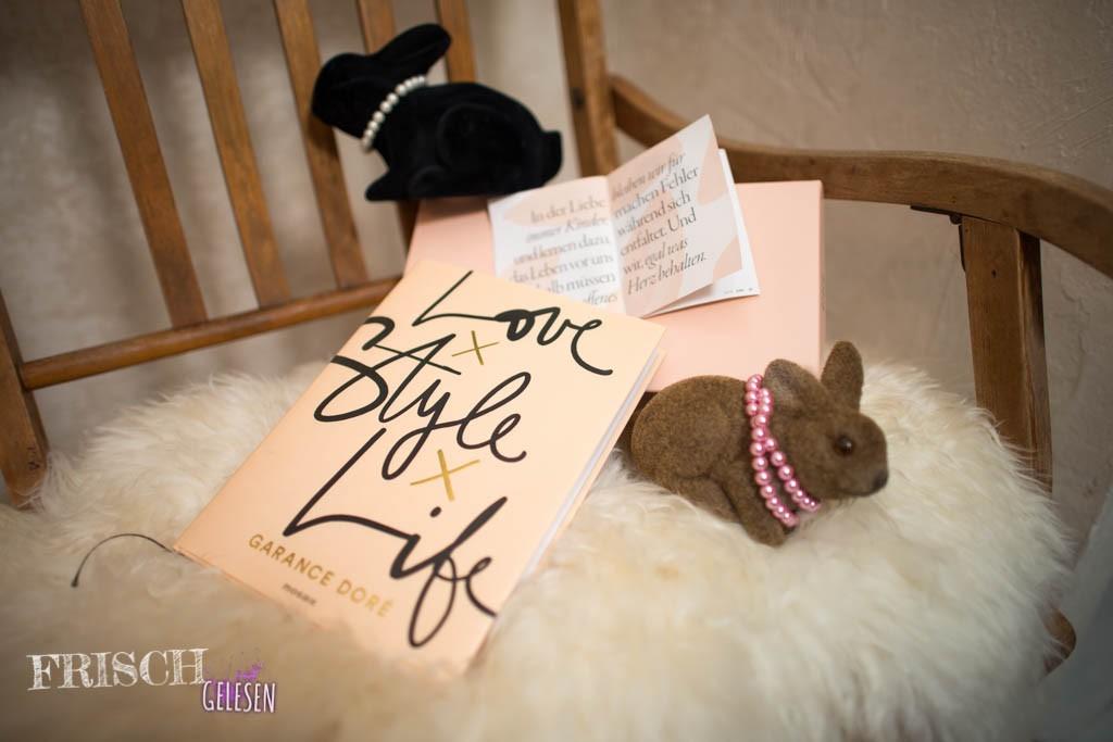"""""""Love x Style x Life"""" von Garance Doré passt farblich doch perfekt zum kommenden Frühling. Oder auch zum Osterfest, vielleicht braucht ihr noch ein Geschenk."""
