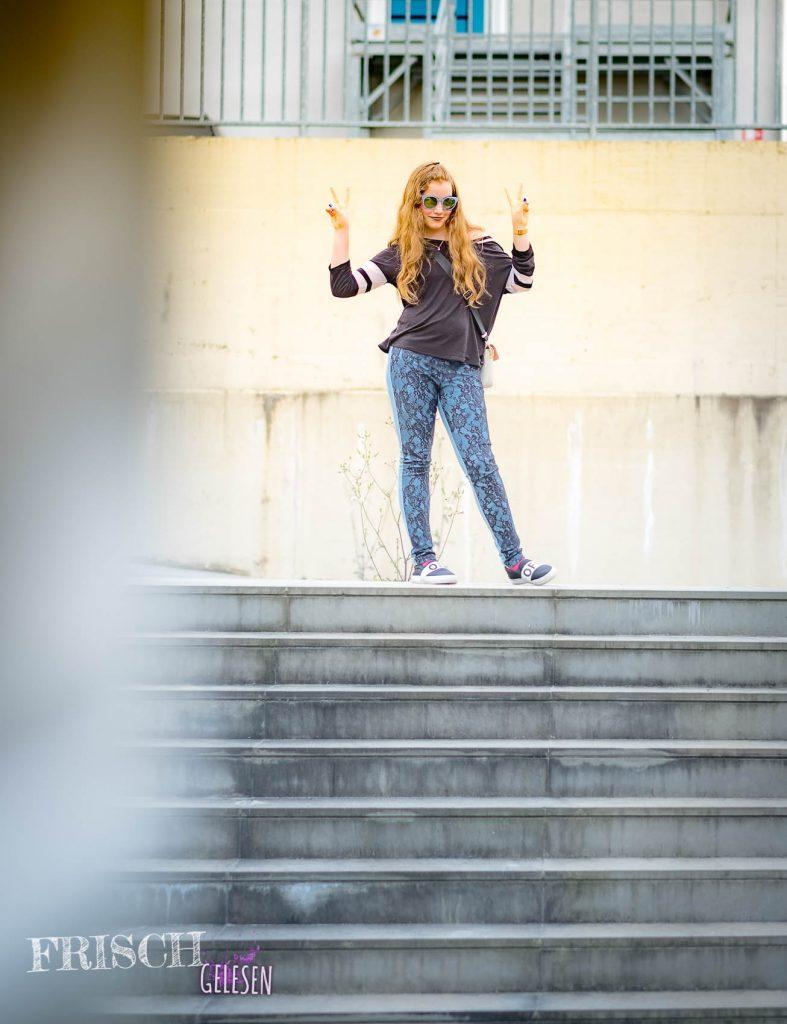 Das ist nur eine Treppe, kein Abgrund! Also, Augen auf für Gefahren, aber auch für Positives!