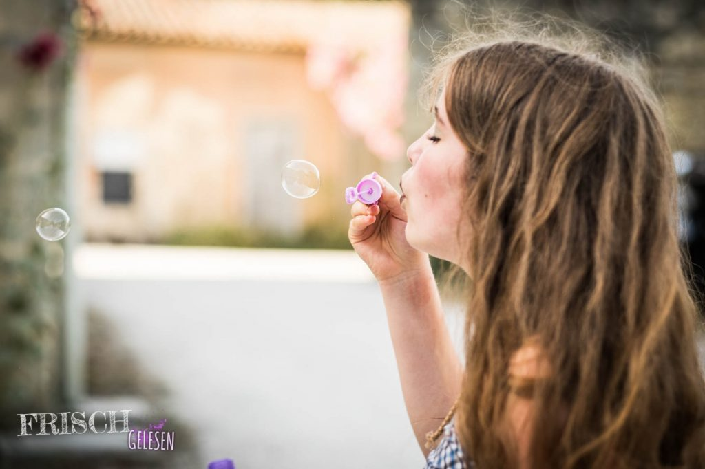 Mit Seifenblasen ist das Leben schön.