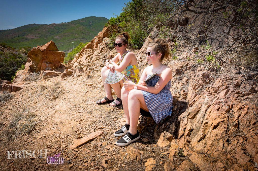 Man kann die Côte d'Azur aber auch auf diese Weise geniessen. Ein Stückchen laufen, dann sitzen... Oder liegen... ;)