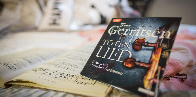 """Musik kann auf jeden fall Geschichten erzählen: """"Totenlied"""" von Tess Gerritsen"""