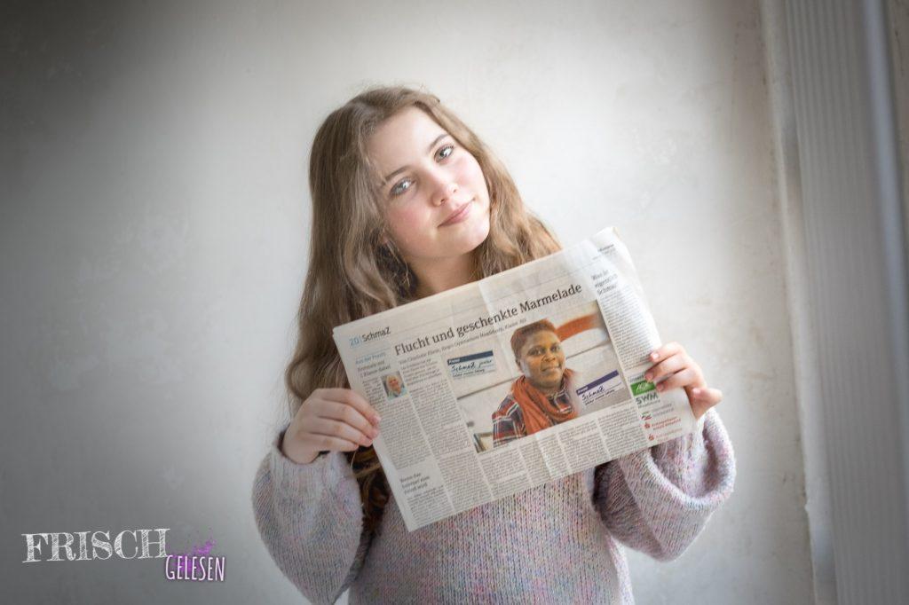 Charli als SchmaZ - Reporter.