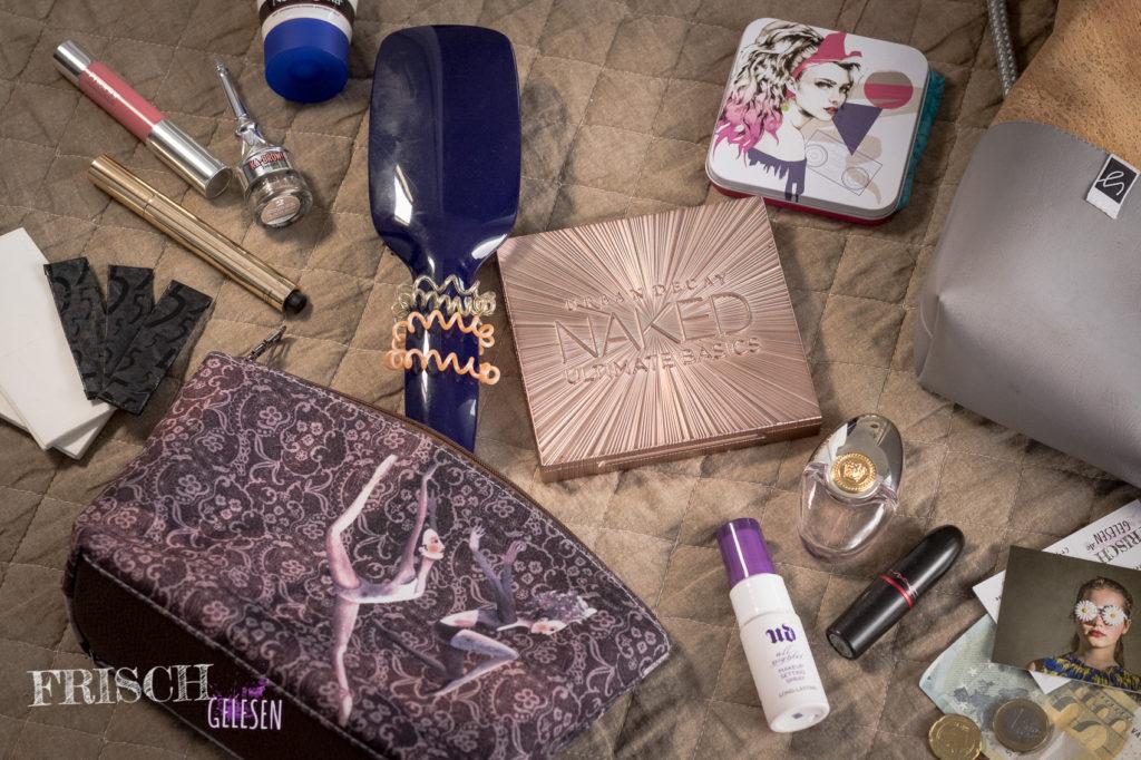 Schaut euch mal die Kosmetiktasche an. Ist sie nicht toll?