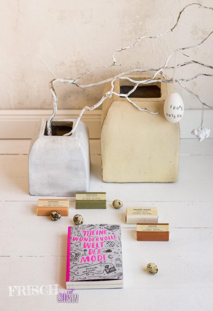 """So kann man """"Meine wundervolle Welt der Mode"""" von Nina Chakrabarti auch seinen Gästen zu Ostern hinlegen. :)"""
