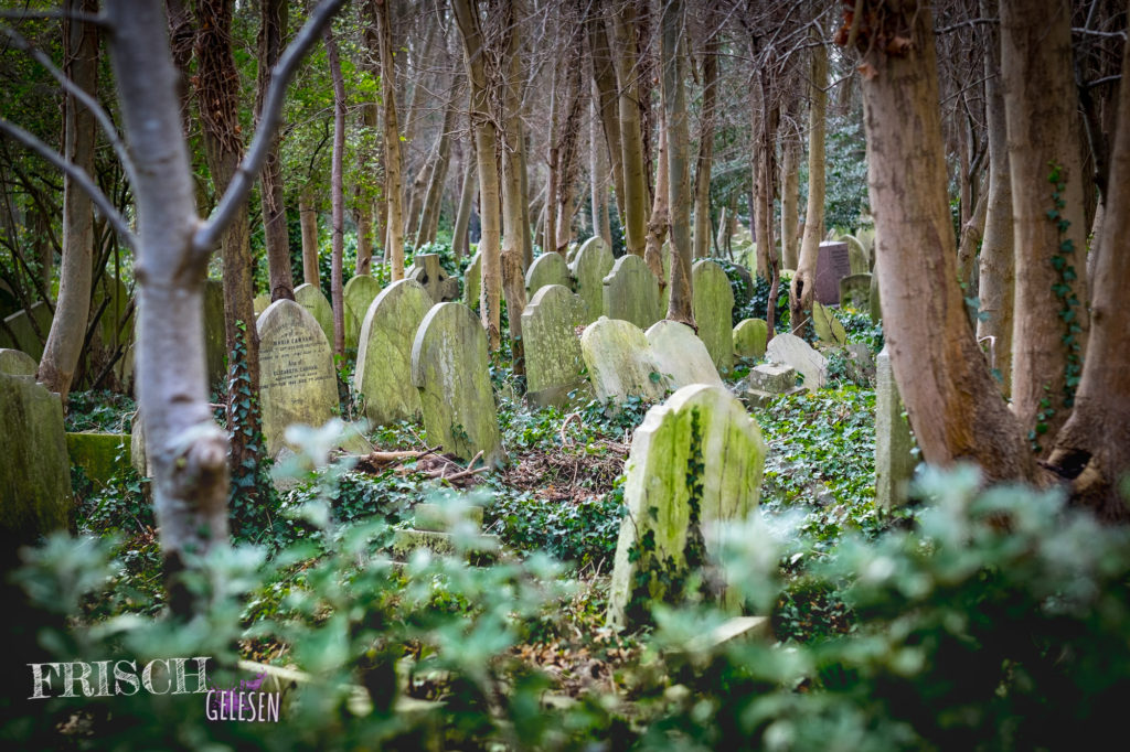Der Highgate Cemetery ist schon ein bisschen unheimlich, das gebe ich zu.